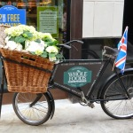 DAILY SCHMANKERL : Whole Foods bicycle with fresh flower basket