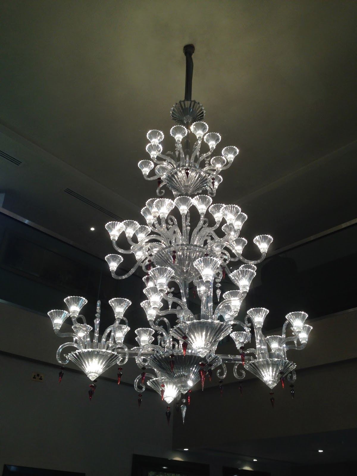 DAILY SCHMANKERL : For the Love of Chandeliers, The Mayfair Hotel, London