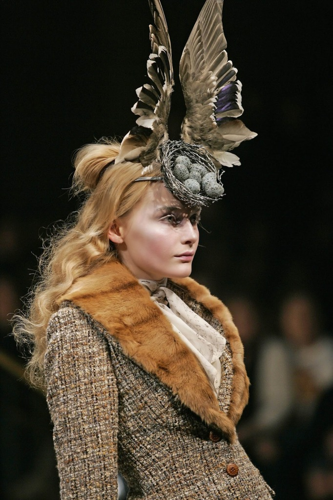 6._Birds_Nest_Headdress_made_with_Swarovski_Gemstones_by_Philip_Treacy_and_Shaun_Leane_for_Alexander_McQueen_AW_2006